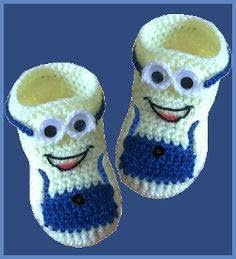 "Crocheted baby shoes ""Minions"" for our little ones. - Crocheted baby shoes ""Minions"" for our little ones. Informations About Gehäkelte Babyschuhe ""Mini - Crochet Baby Dress Pattern, Crochet Baby Boots, Knit Baby Booties, Booties Crochet, Baby Girl Crochet, Crochet Baby Jacket, Crochet For Boys, Crochet Shoes, Crochet Slippers"