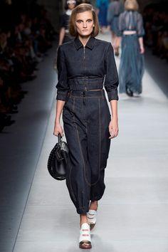 Sfilata Fendi Milano - Collezioni Primavera Estate 2016 - Vogue