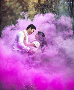 This season combine your wedding with the festival of colors that is 'Holi'. Include beautiful and vibrant colors in your life with these trendy pre-wedding photoshoot ideas for happy holi Pre Wedding Poses, Pre Wedding Shoot Ideas, Pre Wedding Photoshoot, Wedding Props, Indian Wedding Couple Photography, Wedding Couple Photos, Wedding Couples, Smoke Bomb Photography, Film Photography