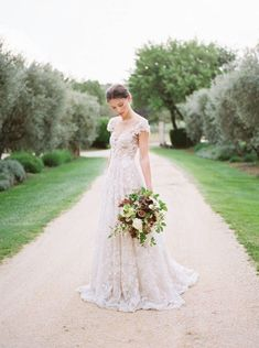 These are the 21 Wedding Dresses with Unique Sleeves on our Lust List One detail you should never miss in wedding dresses? The sleeves! Designers have gone haute couture in sleeve silhouettes in recen Applique Wedding Dress, Wedding Dress Sleeves, Bridal Dresses, Wedding Gowns, Wedding Bouquets, Wedding Bells, Wedding Flowers, Bridal Gown, Lace Wedding