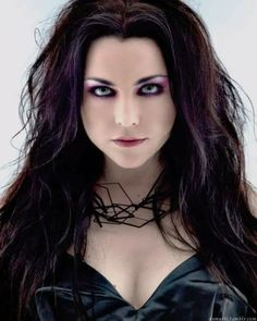 Evanescence and Halestorm obsessed, collector, fan. Goth Beauty, Dark Beauty, Rockers, Heavy Metal Girl, Amy Lee Evanescence, Hot Goth Girls, Women Of Rock, Female Singers, Hair Inspiration