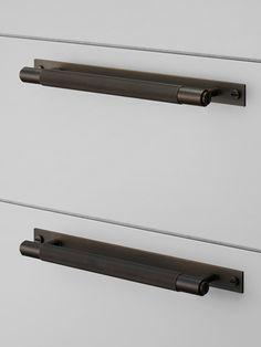 Currently Loving: Over-sized Hardware - Matte Black Cabinet Pull Black Cabinet Hardware, Kitchen Cabinet Hardware, Hardware Pulls, Cabinet Knobs, Furniture Handles, Furniture Hardware, Furniture Fittings, Wardrobe Handles, Joinery Details