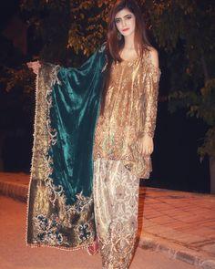 Pakistani Formal Dresses, Shadi Dresses, Pakistani Dress Design, Pakistani Outfits, Wedding Dresses For Girls, Party Wear Dresses, Wedding Outfits, Formal Outfits, Ladies Dresses