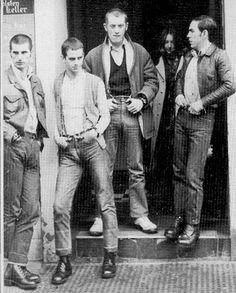 Bootboy Glam and Football Chants: Proto-Oi! in Britain - VICE Mode Skinhead, Skinhead Fashion, Skinhead Style, Skinhead Clothing, Skinhead Boots, Pac Man, Glam Rock, Ac Dc, John Lennon