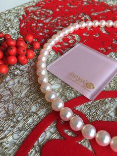 Japanese Akoya Pearl Necklace.  Size:8.5mm-8.0mm Luster:☆☆☆☆☆☆  www.iseya-japan.com/en
