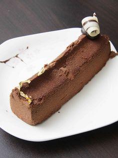Crunchy Chocolate Hazelnut Cake