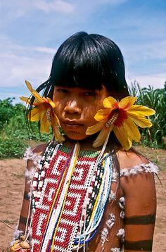 Criança, menina, povo Karaja, Aldeia Fontoura, Ilha do Bananal, Tocantins, Brasil, 2001