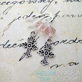 Vaaleanpunaiset risti korvakorut  #crossearrings #rippilahja