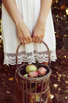 @thebachparty gives @bridalguide the cutest fall inspired bachelorette ideas - including this one apple picking for homemade cocktails !
