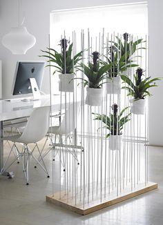 Ziet eruit als een heerlijke werkplek! En na een succesvolle week een lekkere champagne te openen! http://www.brouzje.nl/webshop