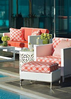 White furniture creates a modern and sophisticated feel to your pool side patio.