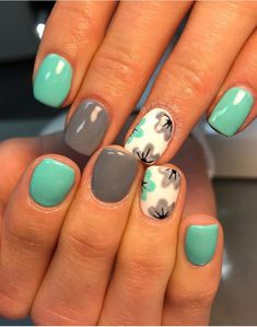 Turquoise, grey and white with flowers nail art designs 2019 french tip nail designs for short nails nail stickers walmart nail appliques best nail polish strips 2019 Get Nails, Fancy Nails, Pretty Nails, Shellac Nails, Nail Polish, Dipped Nails, Cute Nail Art, Gray Nail Art, Daisy Nail Art
