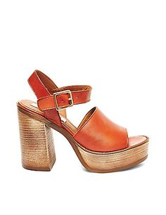 45101c6daf7 Shop women s sandals from Steve Madden to find this season s hottest looks.  Pick your favorite sandals for women to stay on trend all year long.