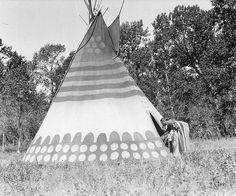 Walter McClintock's photos of the Siksika.  An ambitious project collapsing
