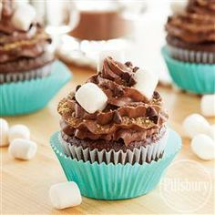 Peanut Butter S'more #Cupcakes from Pillsbury® Baking #FathersDay