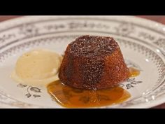 Try this Individual Sticky Date Puddings with Butterscotch Sauce recipe by Chef LifeStyle FOOD. This recipe is from the show Everyday Gourmet. Easy Desserts, Delicious Desserts, Dessert Recipes, Thermomix Desserts, Butterscotch Sauce Recipes, Sticky Date Pudding, Thing 1, Sweet Recipes, Sweet Tooth