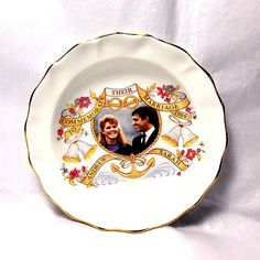Vintage Duchess bone china pin dish commemorating the 1986 marriage of The Duke of York and Sarah Ferguson.