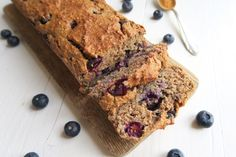 Oatmeal honey cake with blueberries Healthy Pie Recipes, Healthy Cake, Healthy Cookies, Healthy Baking, Sweet Recipes, Cake Recipes, Healthy Food, Healthy Options, Muffins Sains