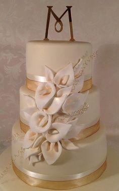 Ivory calla wedding cake