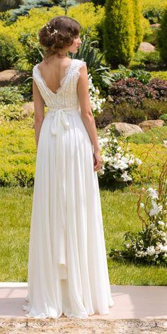 Kundenspezifisch konfektioniert  Ein elegantes Hochzeitskleid mit einer kompliziert eingerichteten Vintage Stil französischer Spitze Mieder und ein fallender chiffon Rock. Besondere Aufmerksamkeit verdient die Spitze Stoff zur Herstellung eines Kleid Mieder verwendet. Sehr stilvoll und unglaublich Luft Modell. Das Kleid ist sehr leicht und komfortabel.  Option Farbe: Ivory (Creme) nur.  Bitte wählen Sie Ihre Größe aus Dropdown-Menü: Größe; (US0/EU34) Büste von 30-31,5 Zoll/76-80cm Taille…