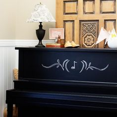 Chalkboard Piano - imagine jotting down little tunes, assignments, or inspirations. #chalkboard #piano