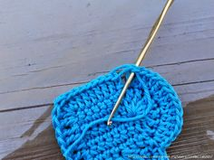 In the corner (where your tail is): do 1 DC – 1 TC – 1 DC. Crochet Basket Pattern, Crochet Patterns, Crochet Gifts, Free Crochet, Heart Diagram, Knitted Stuffed Animals, Crochet Decoration, Crafts To Make And Sell, Crochet Flowers