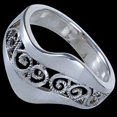 Silver ring, plant motive Silver ring, Ag 925/1000 - sterling silver. Fine, elaborated in detail plant design. Design width approx. 14mm.