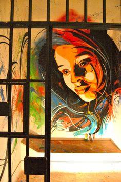 """Street Art - """"Lost Paradise"""", la cella di C215 nel carcere per creativi"""