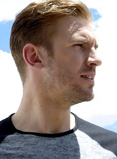 aliceleeeee:  Dan Stevens as David Collins in The Guest (2014)  Aww, such a cute beard straggle.