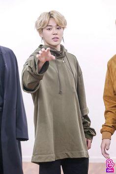 Read from the story ❝ serviteur ❞ kooktae. Namjoon, Taehyung, Hoseok, Seokjin, Busan, Mochi, Yoonmin, Bts Bangtan Boy, Bts Jimin