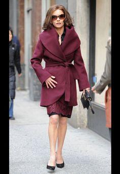 Catherine Zeta-Jones et son manteau châle