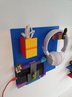 Lego For Kids, Diy For Kids, Crafts For Kids, Lego Projects, Projects For Kids, Legos, Lego Room Decor, Lego Machines, Lego Wall