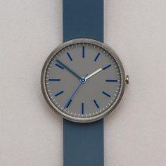 Uniform Wares 104 Series Wristwatch in Pewter Grey / Blue Rubber