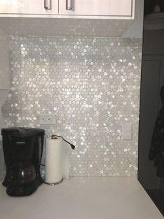 tiles Backsplash Great for my closet! White Hexagon Pearl Shell Tile backsplash: Found at www. Decoration Inspiration, Creative Inspiration, Decor Ideas, Home And Deco, Kitchen Backsplash, Vanity Backsplash, Quartz Backsplash, Black Backsplash, Beadboard Backsplash