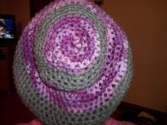 I finally learned how to make ring the right way and made hat out of it.