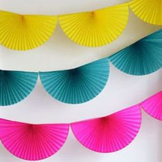 Colourful decoration in thw form of this bright pink bunting fan garland Wedding, DIY Wedding, DIY Bride, Creative Wedding Ideas Paper Rosettes, Paper Flowers, Diy Party Decorations, Paper Decorations, Diy Paper, Paper Crafts, Pink Bunting, Paper Bunting, Diy And Crafts