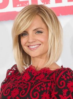 wispy texturized medium length bob haircut for fine hair