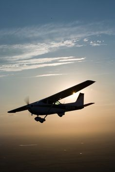 """Cessna 172... mentre sto ancora """"digerendo"""" la teoria... si comincia a volare…"""