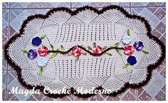 Magda Crochê Moderno: Tapete de crochê com aplique de flores