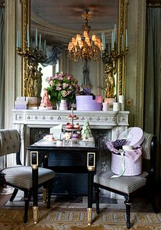 Paris apartments and interior design inspiration selected by HomeToday. Beautiful Interiors, Beautiful Homes, Beautiful People, French Interiors, Beautiful Life, Christmas In Europe, Interior Decorating, Interior Design, French Decorating