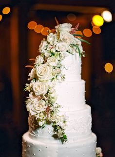 From Inspiration to the Real Thing: Natural Flowers Inspire Bride's #Wedding #Cake | #SignatureCakesByVicki Nashville Wedding Guide for Brides, Grooms - Ashley's Bride Guide