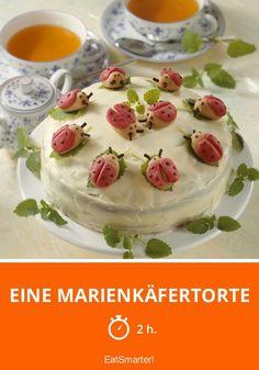 Eine Marienkäfertorte - smarter - Zeit: 2 Std. | eatsmarter.de