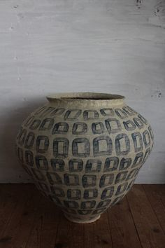 KAZUNORI HAMANA:  I make tsubo(ceramics) on the pacific coast, Chiba Japan