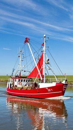 Kutter, Kapitäne und Krabben – Famous Last Words Ocean Fishing Boats, Fishing Boats For Sale, Small Fishing Boats, Kayak Fishing, Fishing Poles, Sea Fishing, Fishing Store, Sport Fishing, Boat Drawing Simple