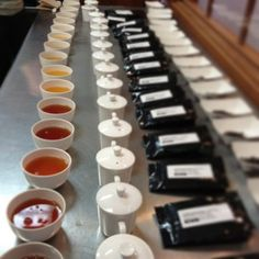 Comparing the different flushes in Darjeeling tea. Darjeeling Tea, Types Of Tea, How To Make Tea, Tea Time, Tableware, Dinners, Food, Tea Types, Dinner Parties