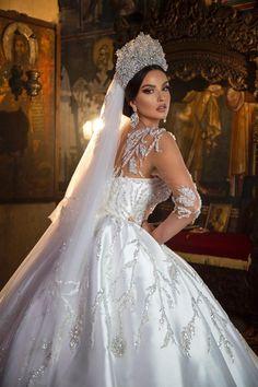 Cute Prom Dresses, Bridal Dresses, Classy Shorts Outfits, Sheer Wedding Dress, Diamond Dress, Hijab Bride, Queen, Beautiful Dresses, Ball Gowns