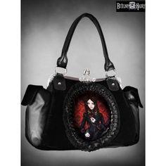 Gothická kabelka RED DOLL je vyrobena ze silného černého sametu a umělé kůže