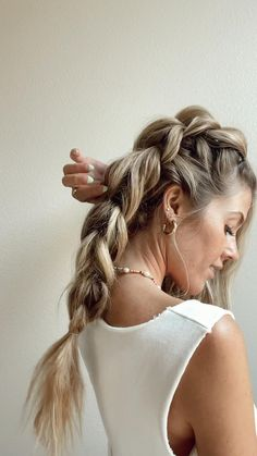 Easy Hairstyles For Long Hair, Pretty Hairstyles, Braided Hairstyles, Hairdos, Updos, Blond, Up Girl, Hair Videos, Hair Designs