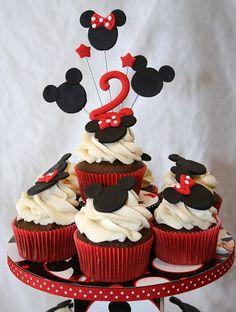 @KatieSheaDesign ♡❤ #Cupcakes ❤♡ ♥ ❥ Mickey and Minnie Cupcakes
