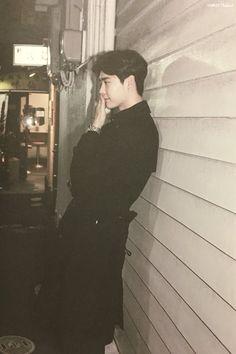 Lee Jong Suk Cute, Lee Jung Suk, Lee Dong Wook, Ji Chang Wook, Lee Jong Suk Wallpaper, Korean Male Actors, Korean Drama Best, W Two Worlds, Park Shin Hye